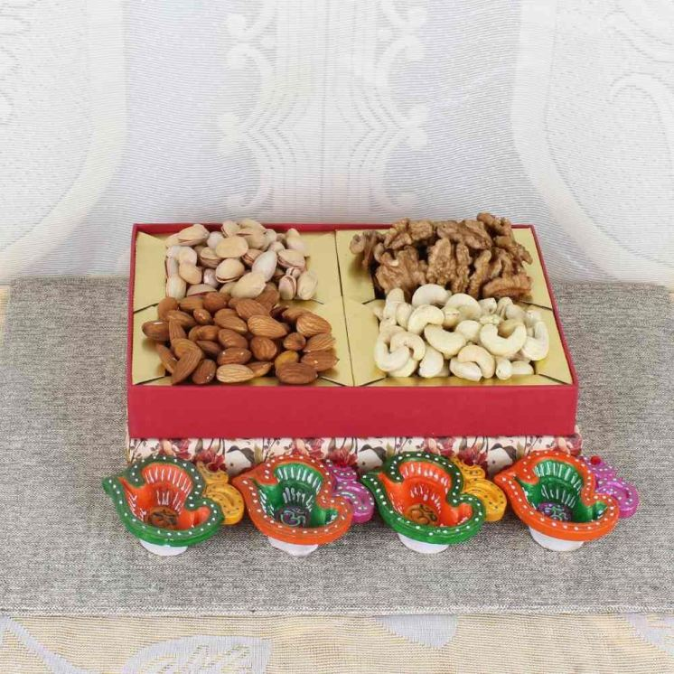0008532_diwali-dry-fruit-box-with-earthen-diyas